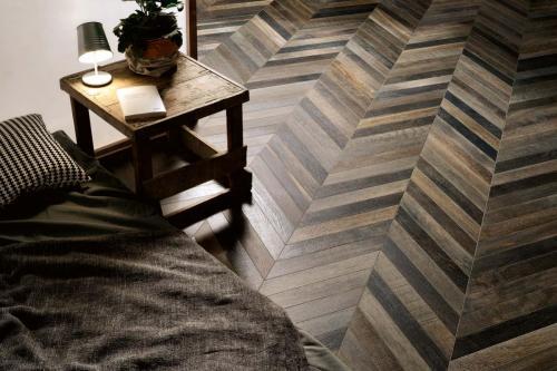 Ceramica-Fioranese Wood Mood Quercia-Chevron-7,8x53,3 1